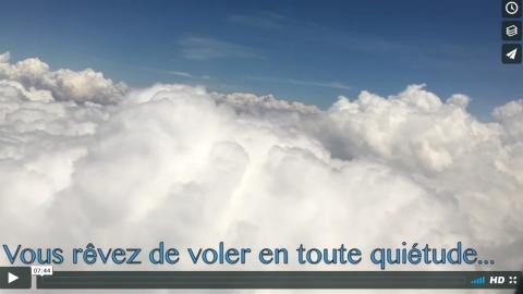 (Français) Soigner la phobie de voler en avion. Conseils santé de Ingrid Schutt, Homeopathe.ca en avion
